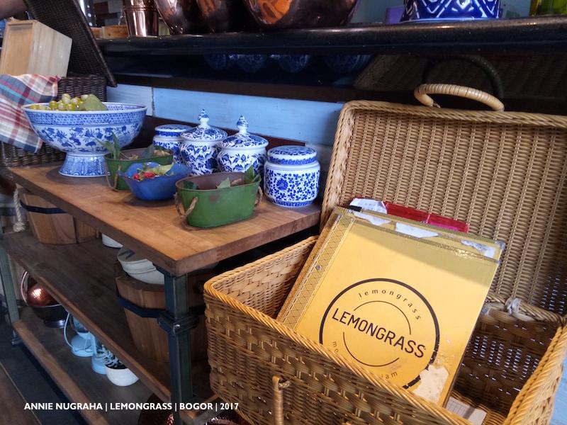 LEMONGRASS Resto & Cafe BOGOR yang istagramable banget