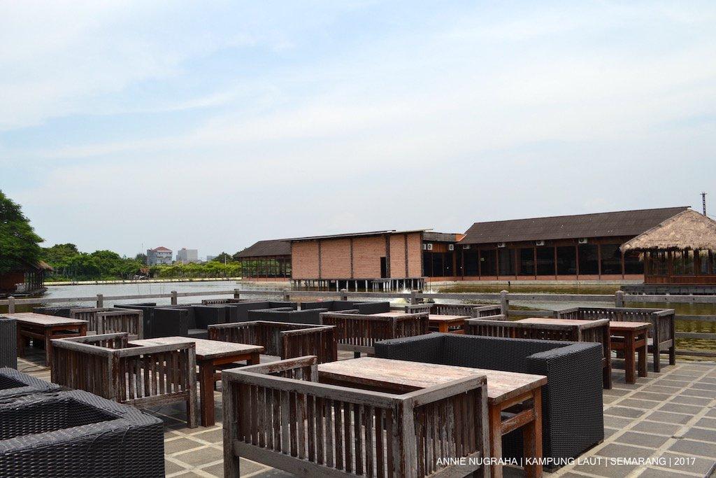 KAMPUNG LAUT Semarang - Rumah Makan Apung dan Kolam Pancing
