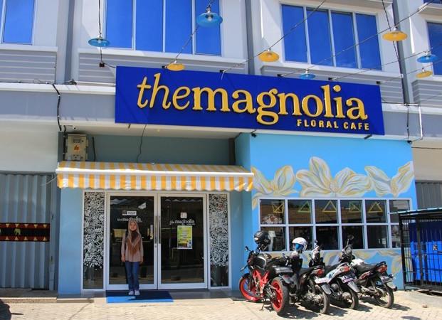 The MAGNOLIA Floral Cafe | Cafe Istagenic dengan Sentuhan Bunga di Bandar Lampung