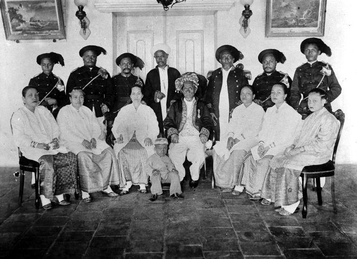 KESULTANAN TIDORE | Perjumpaan Budaya MOLUKU/MALUKU KIE-RAHA dan Bangsa Eropa | Prespektif Historis