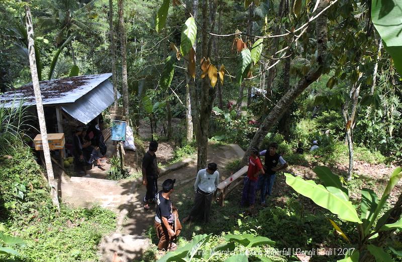 Air Terjun CEPUNG (Cepung Waterfall).  Keindahan Tersembunyi Diantara Pahatan Bukit di BANGLI, BALI