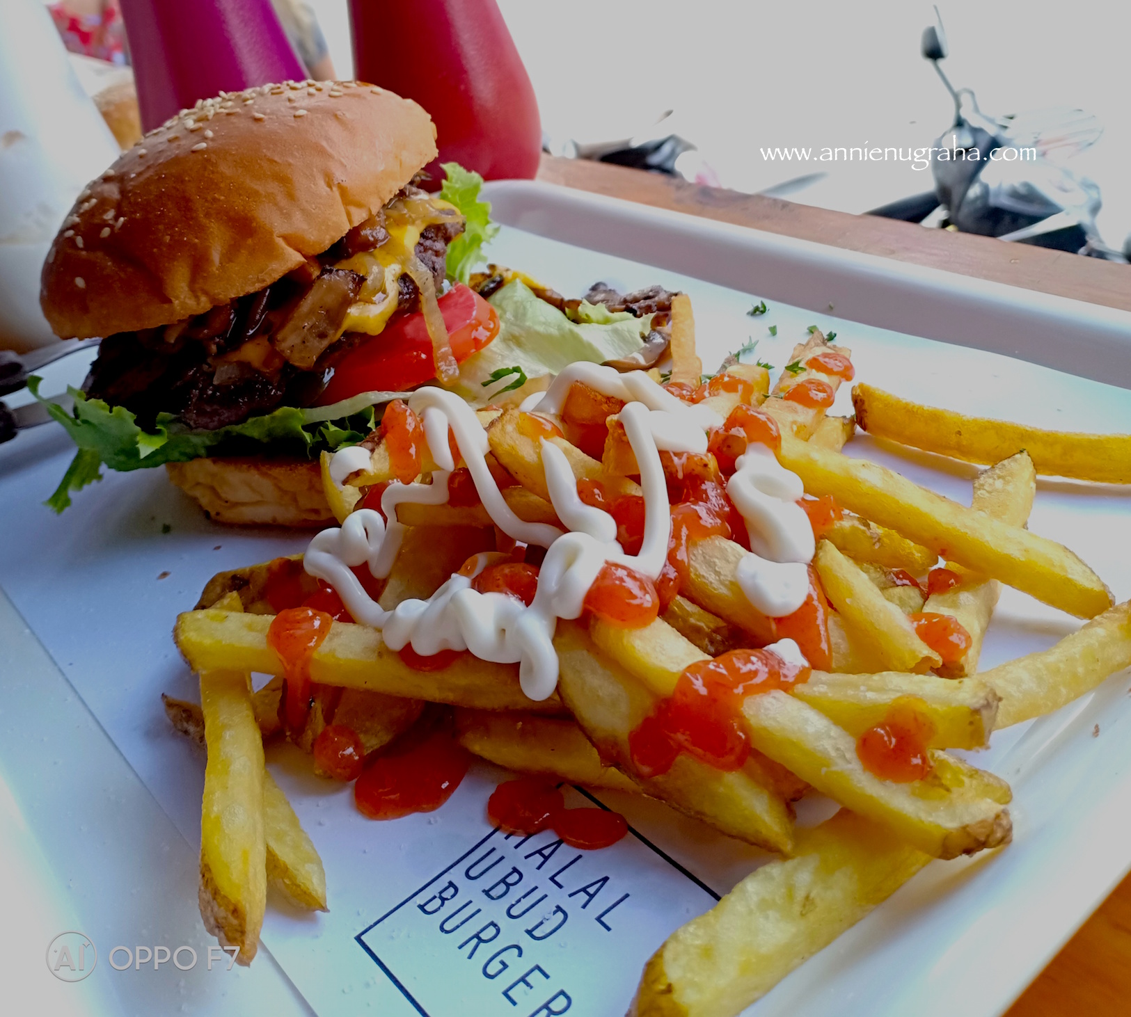 Halal Ubud Burger Resto Sahabat Muslim Di Ubud Bali Annie Nugraha