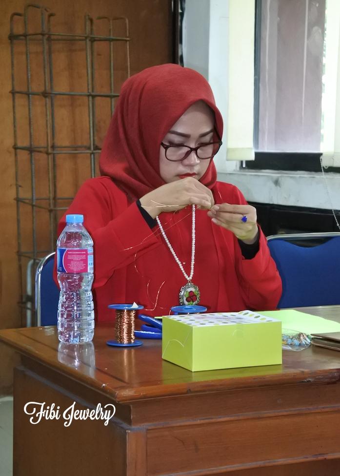 Basic Wire Jewelry Workshop Bersama DEKRANASDA DKI Jakarta. Satu Langkah Awal Untuk Pecinta Perhiasan Kawat di Jakarta
