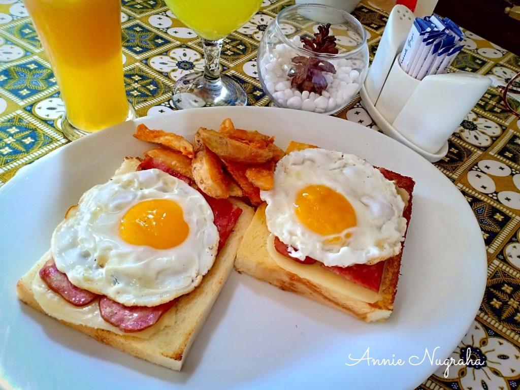 Cafe BATAVIA | Resto dan Cafe Lawas di Kawasan KOTA TUA | Jakarta
