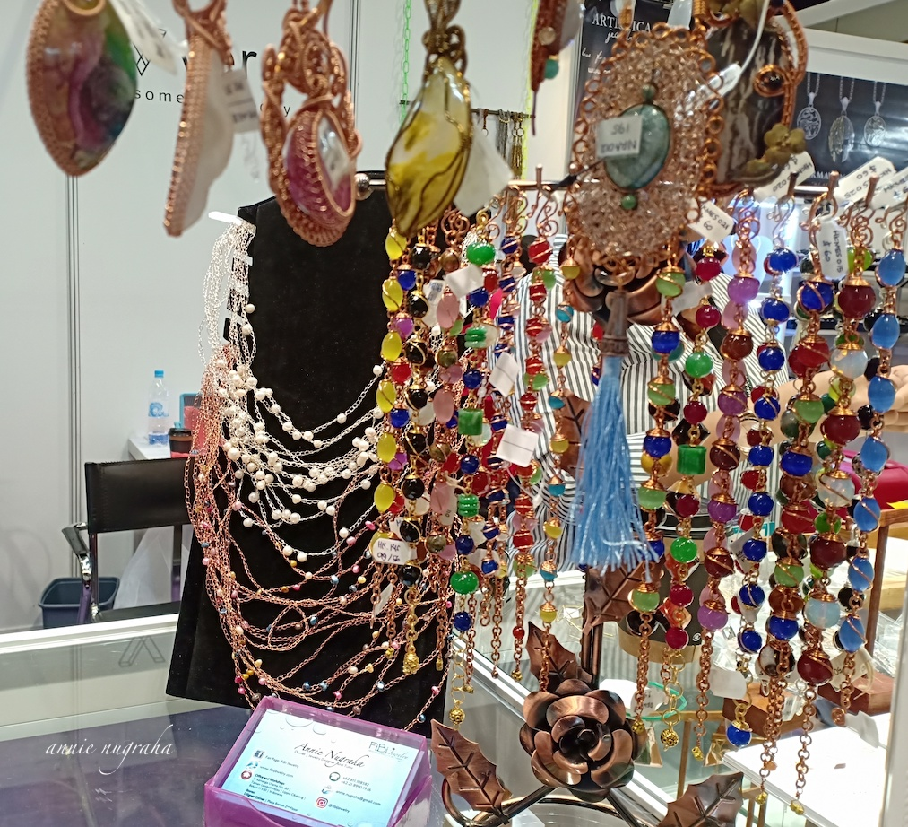 Hong Kong International Jewelry Show 2019.  Ngamen Sarat Cerita di Awal 2019