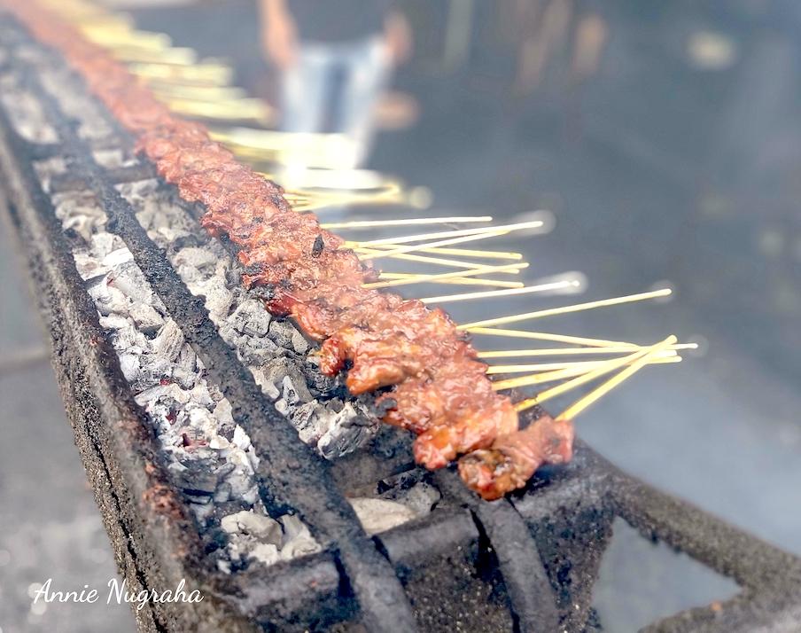 SATE MARANGGI HJ. YETTY Cibungur. Rumah Makan Fenomenal di Kawasan Purwakarta