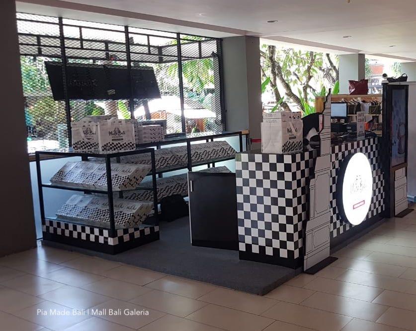 Pia MADE BALI.  Pia Kukus Pertama di Bali.  Camilan Nikmat Untuk Keluarga