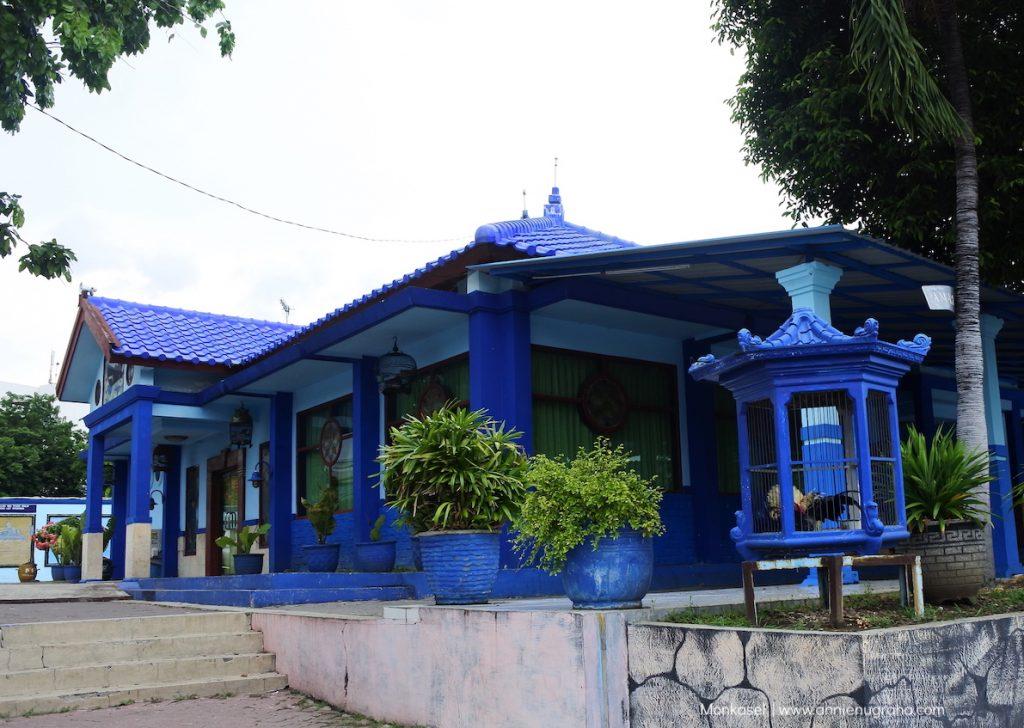 Monumen Kapal Selam (Monkasel) Surabaya.  Jejak Kejayaan Maritim Indonesia