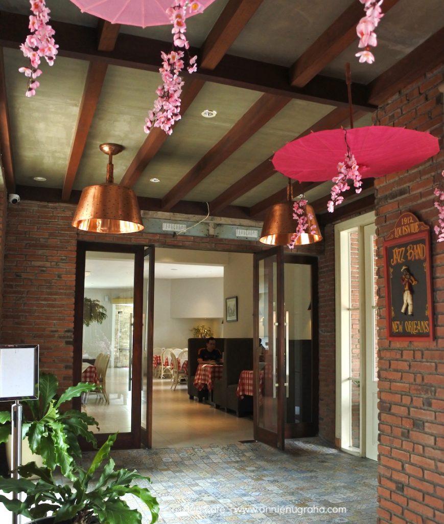 BONCAFE Steak & Ice Cream Surabaya.  Living A Good Life
