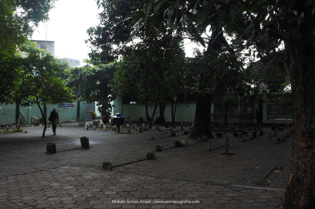 Masjid dan Makam SUNAN AMPEL. Sekilas Menyisir Wisata Qalbu di Utara Surabaya