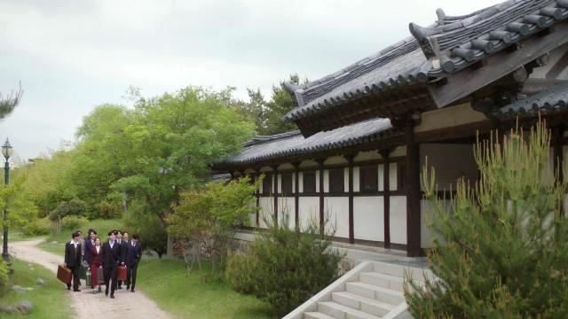 The Hymn of Death.  Tragedi Cinta Seorang Soprano dan Sastrawan Korea.