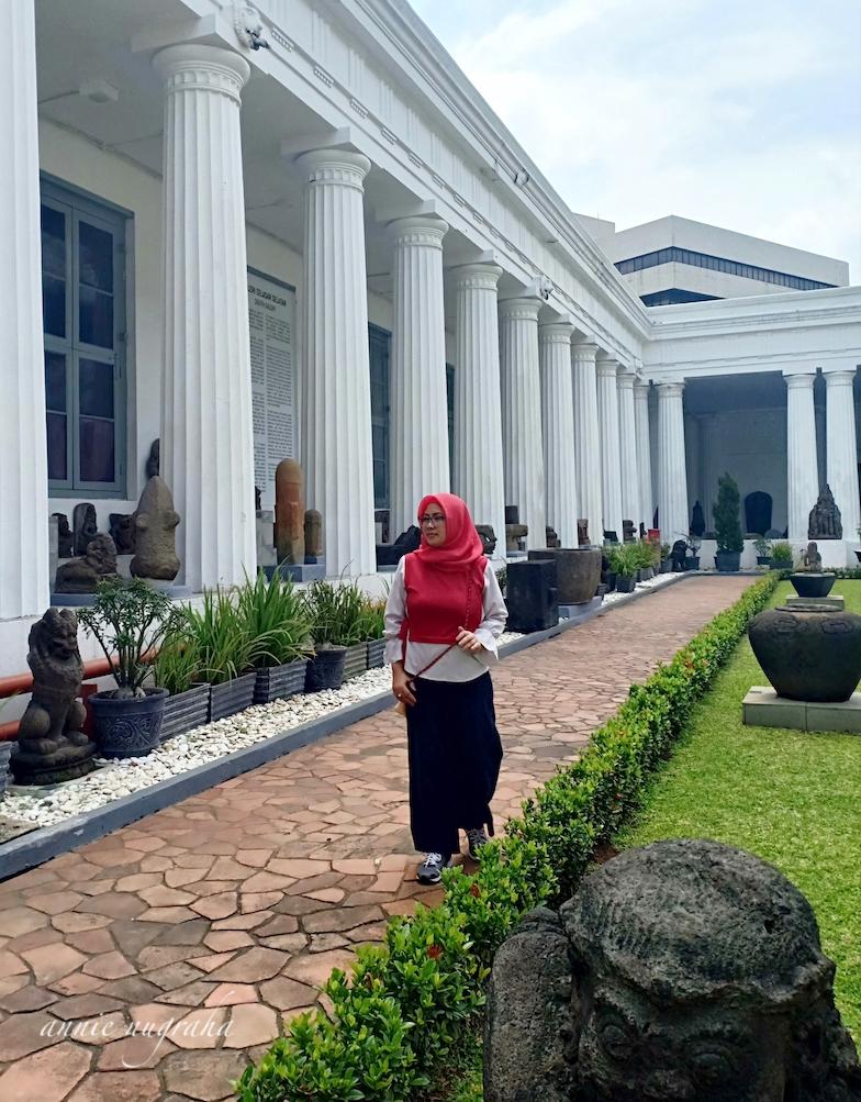 Museum Nasional Indonesia (Museum Gajah). Kantung Peninggalan Sejarah Terbesar di Tanahair.